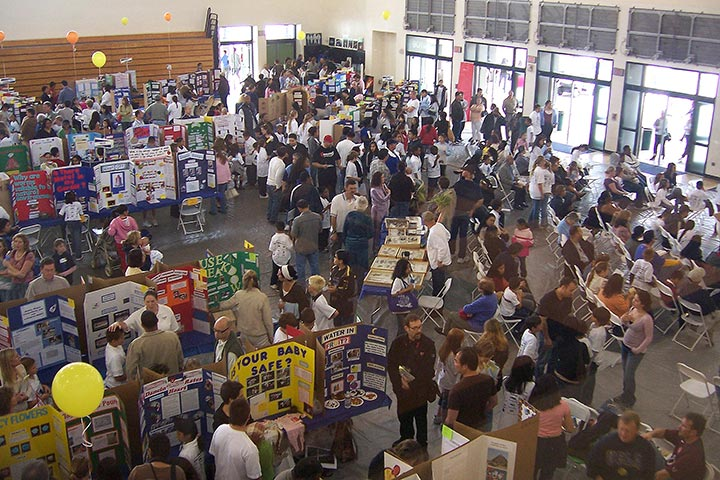 a visit to a science fair Introduction:a science fair means the fair where the scientific equipments, tools, instruments or machines are exhibited this type of fair exerts greater attraction.